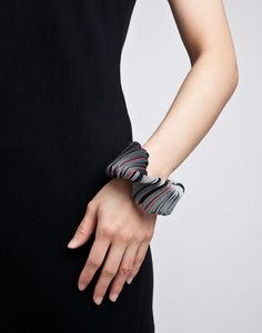 Yong Joo Kim / Bracelet / Reconfiguring the Ordinary: Rounded, Aligned and Twisted / Velcro and Thread
