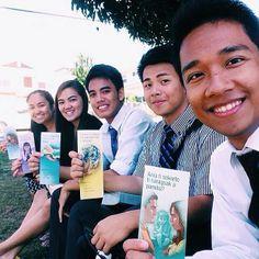 Hawaii -- Publicly Sharing The Good News of God's Kingdom - JW.org  --Photo shared by @emjeeboii