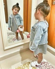 Adorable little girl shoes ideas to make them look trendy 34 Cute Baby Girl Outfits, Toddler Girl Outfits, Cute Baby Clothes, Trendy Toddler Girl Clothes, Toddler Hair, Toddler Girls Fashion, Toddler Boys, Hair Kids, Little Girl Shoes