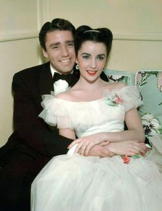 A lovely colour photo of Peter Lawford and Elizabeth Taylor. #vintage #actors #actresses