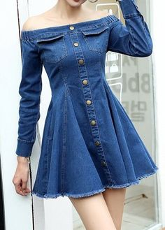 You can wear casual clothes, blue denim dresses, summer clothes. Straight and blue denim clothes with straps. Blue Denim Dress, Denim Outfit, Jeans Dress, Teen Fashion Outfits, Denim Fashion, Girl Fashion, Fashion Dresses, Style Fashion, Fashion Ideas