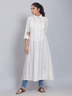 Cheap High Fashion Women S Clothing Simple Kurti Designs, Kurta Designs Women, Kurti Neck Designs, Indian Fashion Trends, Indian Designer Outfits, Indian Outfits, Kurta Cotton, Kurta Patterns, Islamic Clothing