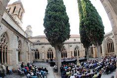 14 compañías de la región, seleccionadas para participar en la vigésima edición de la Feria de Teatro de Castilla y León http://www.revcyl.com/web/index.php/cultura-y-turismo/item/9631-14-companias-de-la-region-seleccionadas-para-participar-en-la-vigesima-edicion-de-la-feria-de-teatro-de-castilla-y-leon