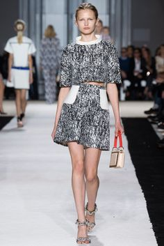 This reminds me of a sweater I own - Giambattista Valli Spring 2015 Ready-to-Wear - Collection - Gallery - Look 1 - Style.com