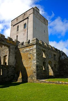 Doe Castle near Creeslough - County Donegal, Ireland