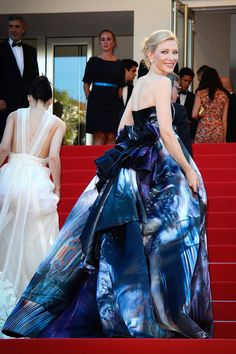 Cate Blanchett wore a gown from the Giles autumn/winter 2015 collection.