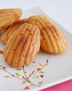 almond praline madeleines from technicolorkitchen.blogspot