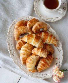 Rogale maślane Sweet Recipes, Cake Recipes, Snack Recipes, Cooking Recipes, I Love Food, Good Food, Yummy Food, Polish Recipes, Polish Food