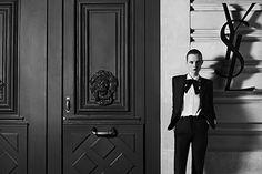 Photogahy HEDI SLIMANEサンローラン(SAINT LAURENT)が、クチュール事業を再スタートさせる事を発表。それに合わせ、エディ・スリマン撮影によるキャンペーンビジュアルが公開...