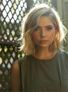 26 Trendy Haircut For Round Face Shape Waves Haircuts For Frizzy Hair, Bob Haircuts For Women, Round Face Haircuts, Trendy Haircuts, Hair For Round Faces, Popular Haircuts, Pixie Haircuts, Bob Hairstyles 2018, Cool Short Hairstyles