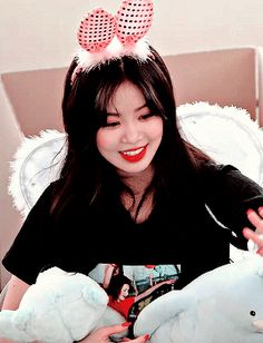 Aesthetic Gif, Aesthetic Photo, South Korean Girls, Korean Girl Groups, Icon Gif, Soo Jin, Love Me Like, Iconic Photos, Cube Entertainment