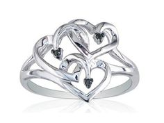 This would be an ideal anniversary or wedding ring for a poly triad <3 <3…