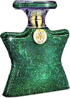 P - Saks Fifth Avenue, New York Fragrance Store. Perfume Versace, Perfume Diesel, Perfume Bottles, Passion Perfume, Colors