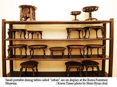 """Traditional Korean furniture is low-lying and humble when it stands alone. But when placed with other objects in a """"hanok"""" (traditional Korean house), it shines with architectural, aesthetic, functional and effective qualities. Korean Art, Asian Art, Origami Instructions Easy, Wood Furniture, Furniture Design, Korean Design, Korean Traditional, Traditional Furniture, Image House"""