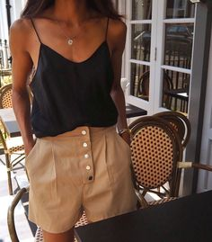 Make your capsule wardrobe ready for summer with these items, Summer Outfits, Spring outfit Summer outfit Style Année 80, Looks Style, Mode Style, Trendy Style, Mode Outfits, Trendy Outfits, Fashion Outfits, Womens Fashion, Fashion Trends