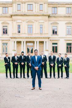 Bruidsfotografie Haarlem Orangerie Elswout Bruidegom. Groom with groomsmen.