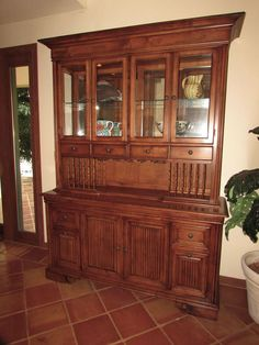 LEXINGTON TOMMY BAHAMA LIGHTED CHINA CABINET Buffet HutchChina CabinetsTommy BahamaBuffetsShipsWeDining Room