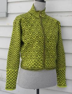 Ravelry: Project Gallery for Pilespidser / Arrowheads pattern by Marianne Isager