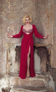 A Forgotten Queen — Irina Hofer Ursula, Portrait Photographers, Queen, Formal Dresses, Model, Red, Photography, Shopping, Fashion