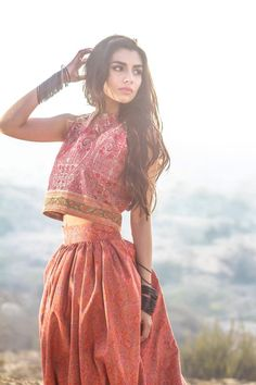 Zara Peerzada - High Fashion Pakistan #WomensFashion #YourNewRoommate LOVE EVERYTHING ABOUT THIS PICTURE!