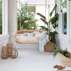 15 Hammocks & Porch Swings For Lazy Summer Afternoons Indoor Hammock Bed, Diy Hammock, Hammock Stand, Rattan Furniture, Furniture Decor, Porches, Porch Styles, Deco Boheme, Single Sofa