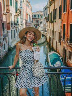 Young Women fashion Clothing - Women fashion Over 60 Classy - Women fashion Photography Dresses - - Women fashion Blazer Classy Women's Dresses, Summer Dresses, Dresses Online, Instagram Outfits, Instagram Fashion, Style Instagram, Instagram Posts, Venice Shopping, Venice Travel