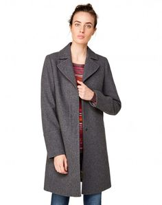Shop Lapel collar coat gray for JACKETS AND COATS at the official United Colors of Benetton online shop.