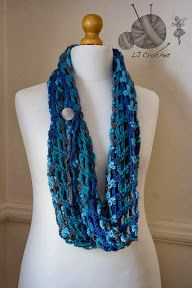 The New Crochet Cowl Scarves: Free cowl pattern