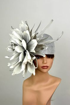 Silver Kentucky Derby Hat Giant Flower Coctail Hat Couture Woman Hat Party Carnival Hat hats kentucky derby Your place to buy and sell all things handmade Fascinator Hats, Fascinators, Headpieces, Mad Hatter Hats, Crazy Hats, Giant Flowers, Stylish Hats, Church Hats, Fancy Hats