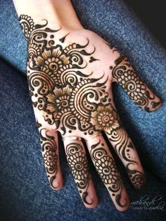 Different Types of Mehendi Designs