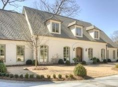 64 New Ideas Exterior Paint Combinations Ranch House Plans Exterior Paint Combinations, Exterior Paint Colors For House, Paint Colors For Home, Exterior Colors, Exterior Design, Paint Colours, Exterior Shutters, Ranch Exterior, Reforma Exterior