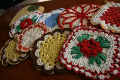 Vintage Crocheted Pot Holders / Hot Pads   I have some of this my Grandmother made. They are beautiful.