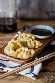 Ina Is(s)t: Traditionelle Chinesische Jiaozi /// Traditionell chineses dumplings