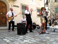 Molotov Jukebox a Pennabilli artisti in piazza ultima performance