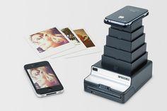 Além de conectar direto com celulares Android e iPhone ele funcionar com o mesmo filme da Polaroid, garantindo uma imprenssão de fotografias retrô.  www.conexaofotografica.com.br/instant-lab