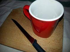 Super tare! Cum să ascuți cuțitul cu cana de cafea Mugs, Tableware, Dinnerware, Tablewares, Mug, Place Settings