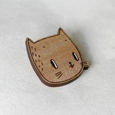 cat brooch  ~ Get Ozzi #Cat #Magazine - All about #cats! >> http://OzziCat.com.au
