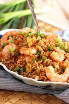 serve up this easy shrimp fried rice for dinner on any weeknight! Easy shrimp fried rice - Ready in minutes, this Easy Shrimp Fried Rice recipe is better than take out. So simple and quick to make. Easy Shrimp Fried Rice Recipe, Fried Rice Recipe Chinese, Shrimp And Rice Recipes, Easy Rice Recipes, Seafood Recipes, Asian Recipes, Cooking Recipes, Healthy Recipes, Chinese Shrimp Fried Rice