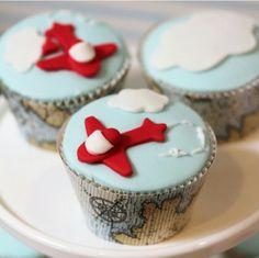 Up & away Travel Themed Birthday Party {Planen Dekorieren Ideen} creative cupcakes Airplane Baby Shower, Airplane Party, First Birthday Parties, Birthday Party Themes, First Birthdays, Birthday Ideas, Cupcakes Bonitos, Airplane Cupcakes, Planes Birthday