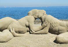 Sandskulptur in Rorschach 4 (Publikumspreis) Ice Sculptures, Sculpture Art, Beautiful Artwork, Cool Artwork, Ice Art, Snow Art, Erotic Art, Oeuvre D'art, Canvas Art Prints