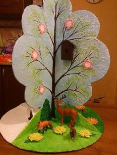 Ideas tree art projects for kids spring Paper Bag Crafts, Cardboard Box Crafts, Newspaper Crafts, Newspaper Wall, Preschool Projects, Projects For Kids, Art Projects, Art Drawings For Kids, Art For Kids