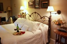 Black Mountain NC Lodging - Bed and Breakfast in Black Mountain NC - Red Rocker Inn