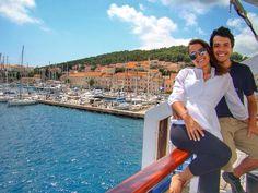 Saindo de Dubrovnik pegamos um mini cruzeiro até Split outra cidade linda da Croácia! Vale a pena organizar uma viagem somente pra esse país e curtir bastante!   #comospesnomundo #croatia #croacia #dubrovnik #split #europa #travelblogger #viagemdecasal
