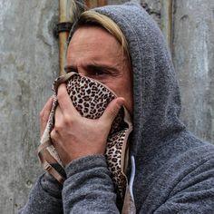 11. Puedes utilizar un sostén como máscara para cubrirte del polvo o humo.