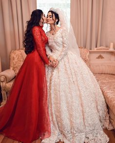 Fancy Wedding Dresses, Princess Wedding Dresses, Perfect Wedding Dress, Bridal Dresses, Elegant Modern Wedding, Girl Photo Poses, Long Sleeve Wedding, Beautiful Hijab, Sweet Dress