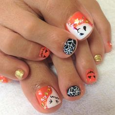 Toe Nail Designs For Fall, Toenail Art Designs, Halloween Nail Designs, Cute Toe Nails, Toe Nail Art, Halloween Acrylic Nails, Manicure And Pedicure, Pedicures, Dark Nails