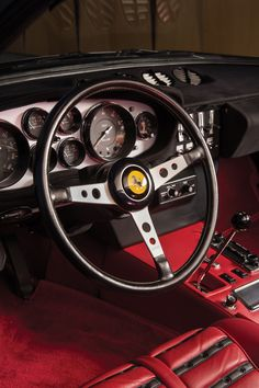 The Ferrari 365 is almost universally known by its unofficial nickname - Ferrari Daytona. Ferrari have never formerly embraced the Daytona label, Ferrari F40, Lamborghini Gallardo, Vintage Cars, Antique Cars, Automobile, Fiat 600, Car Manufacturers, Hot Cars, Dream Cars