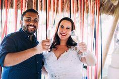 Eliane e Esteva se conheceram em 2012, se tornaram grandes amigos e depois de algum tempo a amizade virou namoro, noivado e finalmente, casamento. Vem ler!