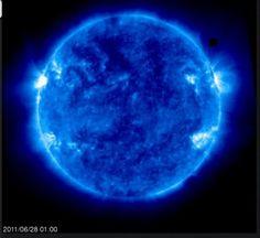 Los misteriosos cubos negros alrededor de nuestro Sol. NASA recorta las imagens. ¿Qué hay que ocultar? - C.1040