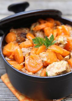 Sautéed veal with carrots, honey and candied lemon - recettes - Meat Recipes Dutch Oven Recipes, Meat Recipes, Cooking Recipes, Healthy Recipes, Nutella Recipes, Batch Cooking, Cooking Time, Healthy Lunches For Work, Healthy Life